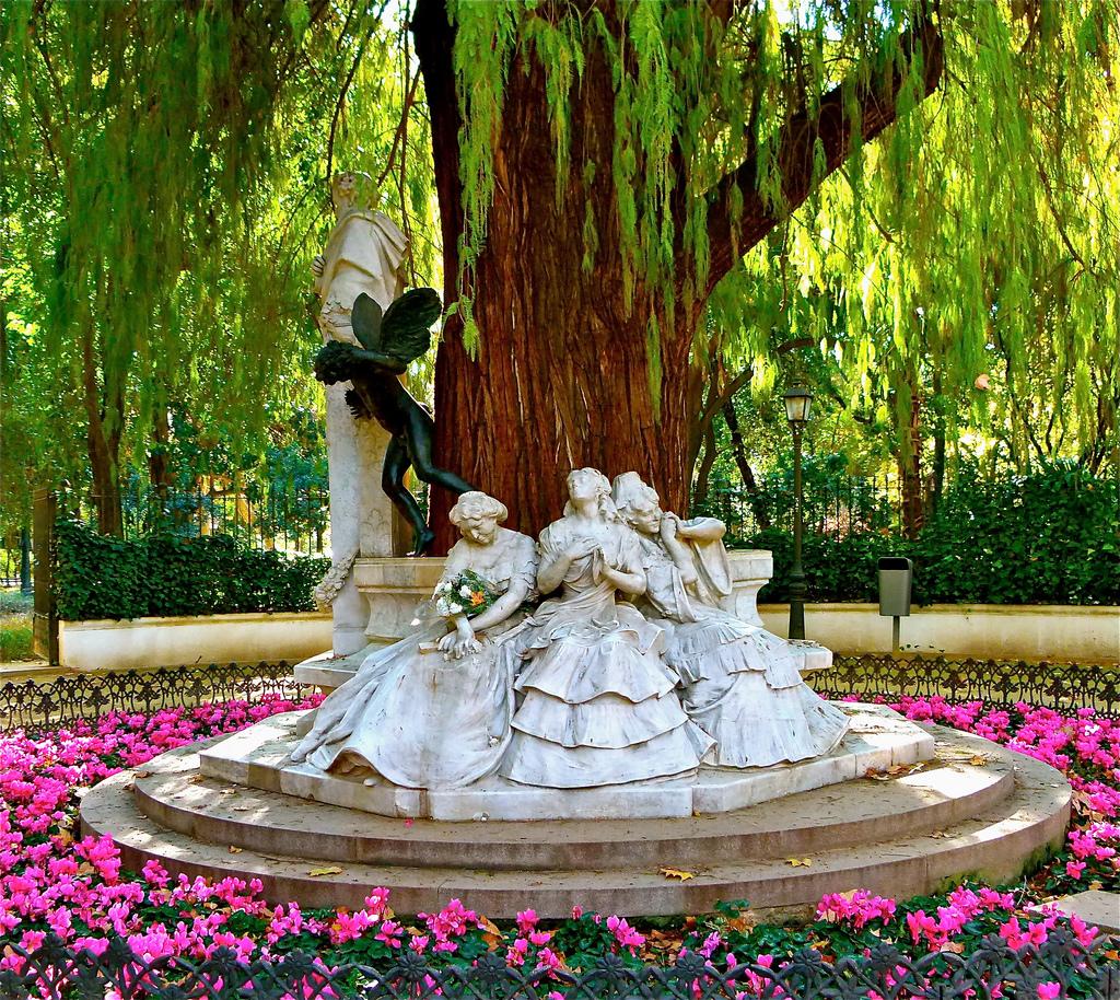 Monumento dedicado a Gustavo Adolfo Becquer Fuente: flickr.com