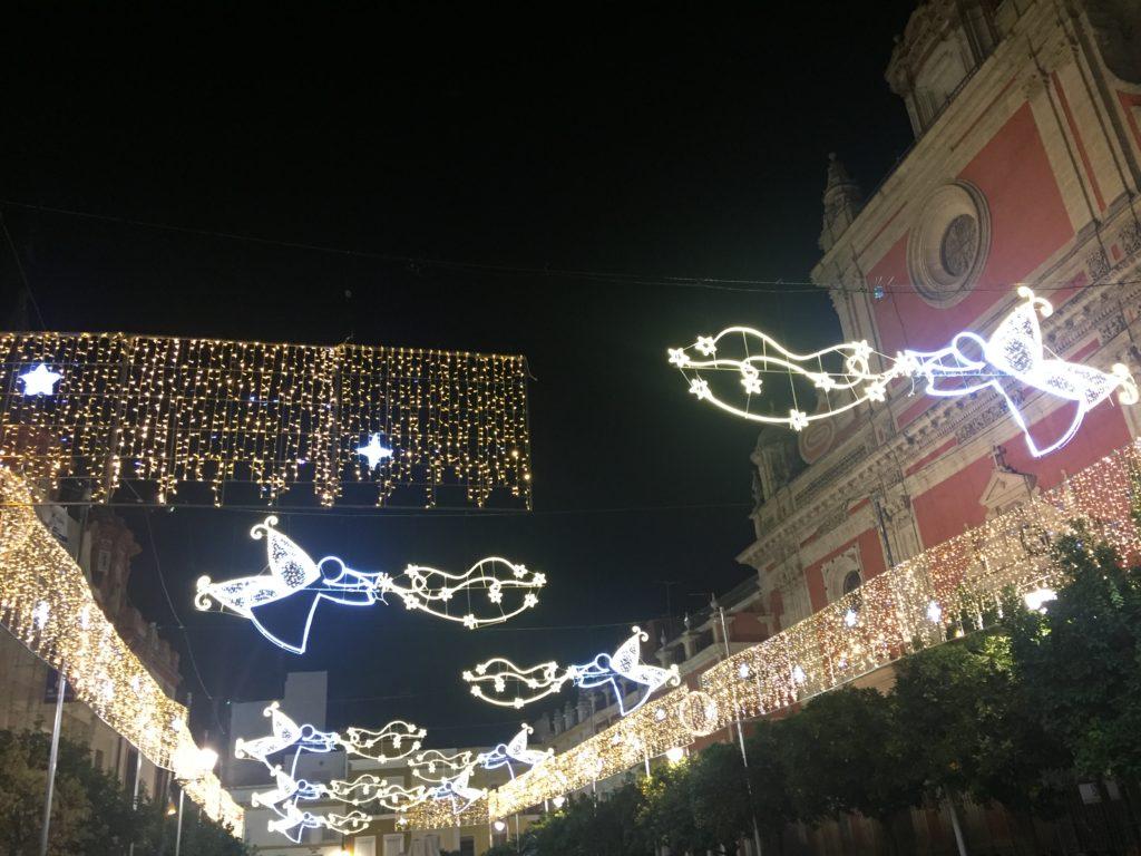 Luces en la Plaza del Salvador
