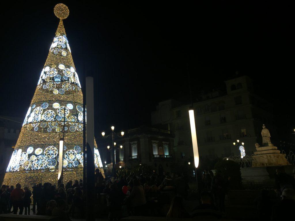 Arbol de navidad en la Puerta de Jerez