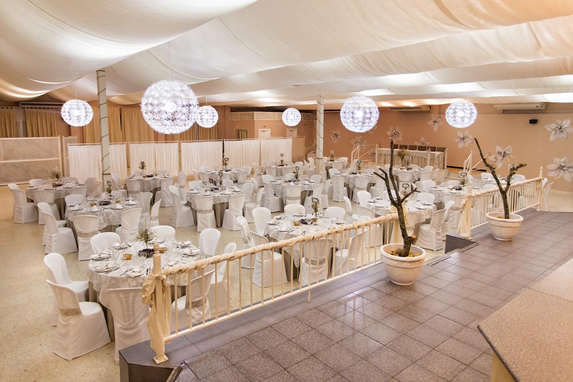 Rom n mateos sal n de celebraciones para bodas bautizos - Spa de sevilla ...