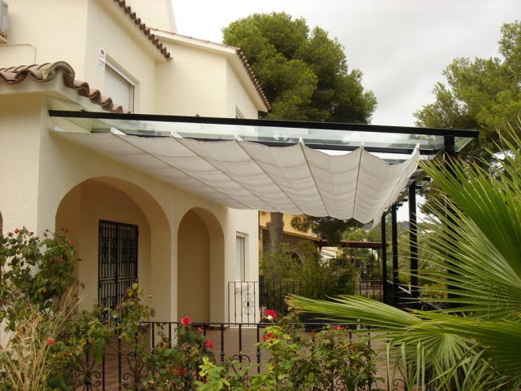 S deros carpinteria metalica sevilla ventanas aluminio for Puertas metalicas para patio