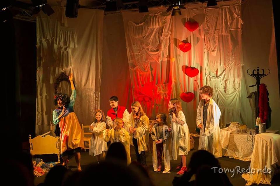 desvan-hermanos-grimm-escenoteca-infantil-teatro-duque-imperdible02