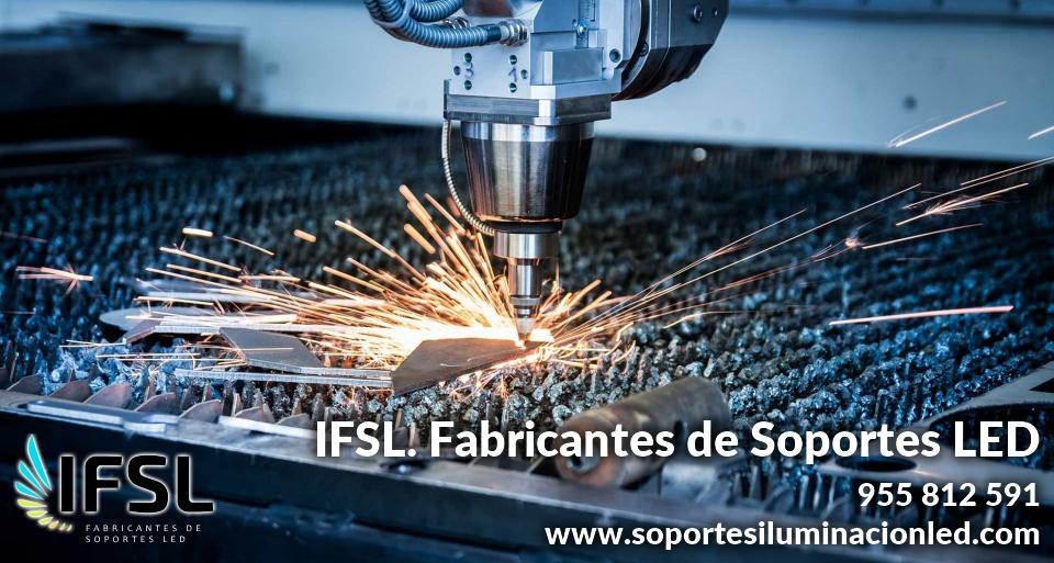 Fabricación de soportes paneles led | Fabricación de soportes para focos de exterior | Fabricación báculos | Fabricante soportes iluminación led