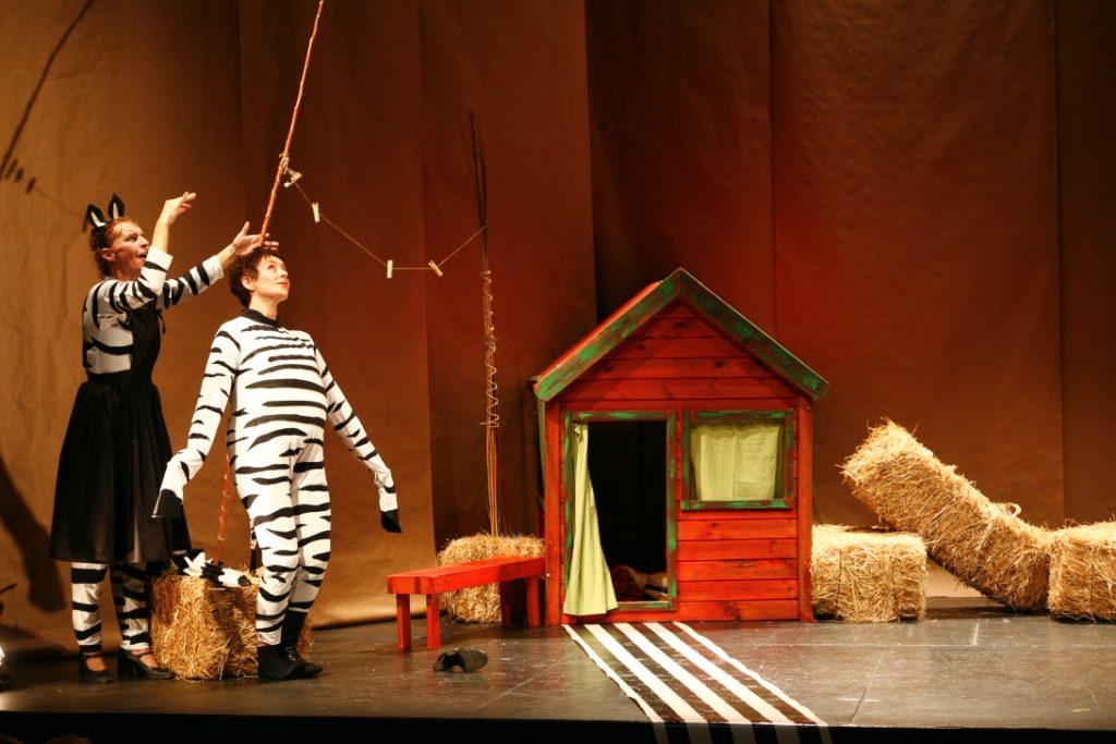 la-cebra-camila-programacion-infantil-teatro-duque-la-imperdible-01
