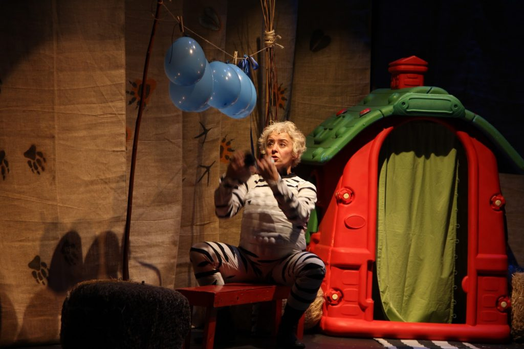 la-cebra-camila-programacion-infantil-teatro-duque-la-imperdible-02