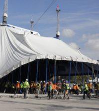 Levantamiento de la Gran Carpa del Cirque du Soleil en Sevilla