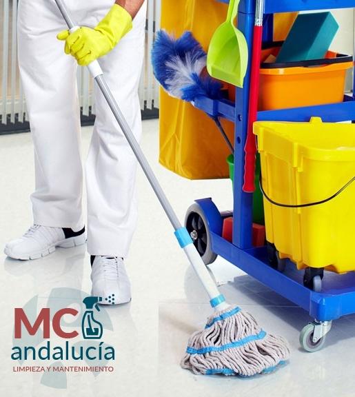 limpeza-y-mantenimiento-comunidades-oficinas-centros-medicos