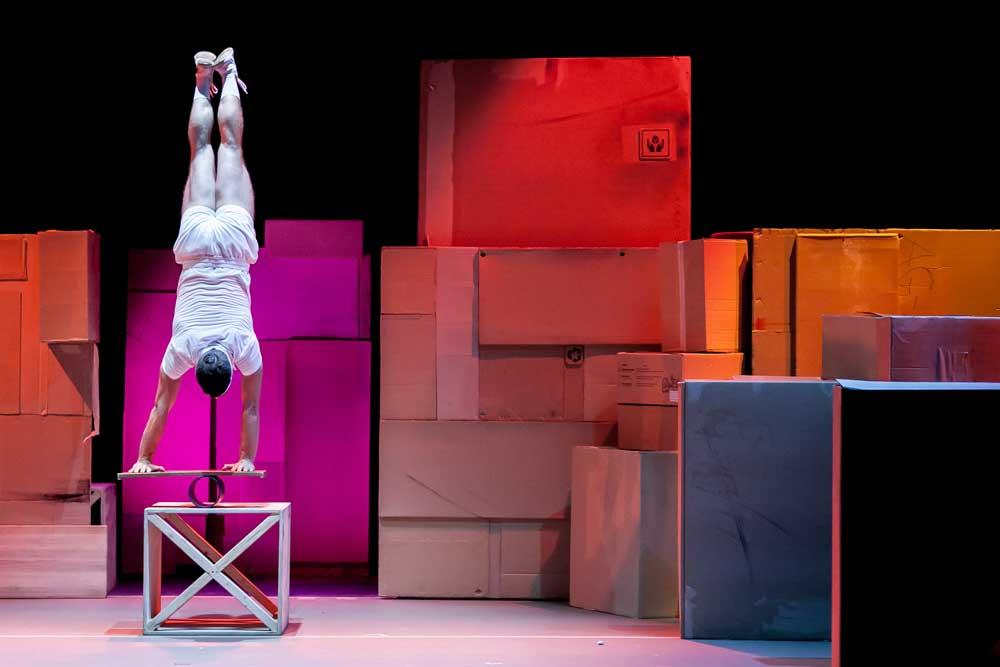 ludo-circus-show-teatro-alameda-sevilla-grande