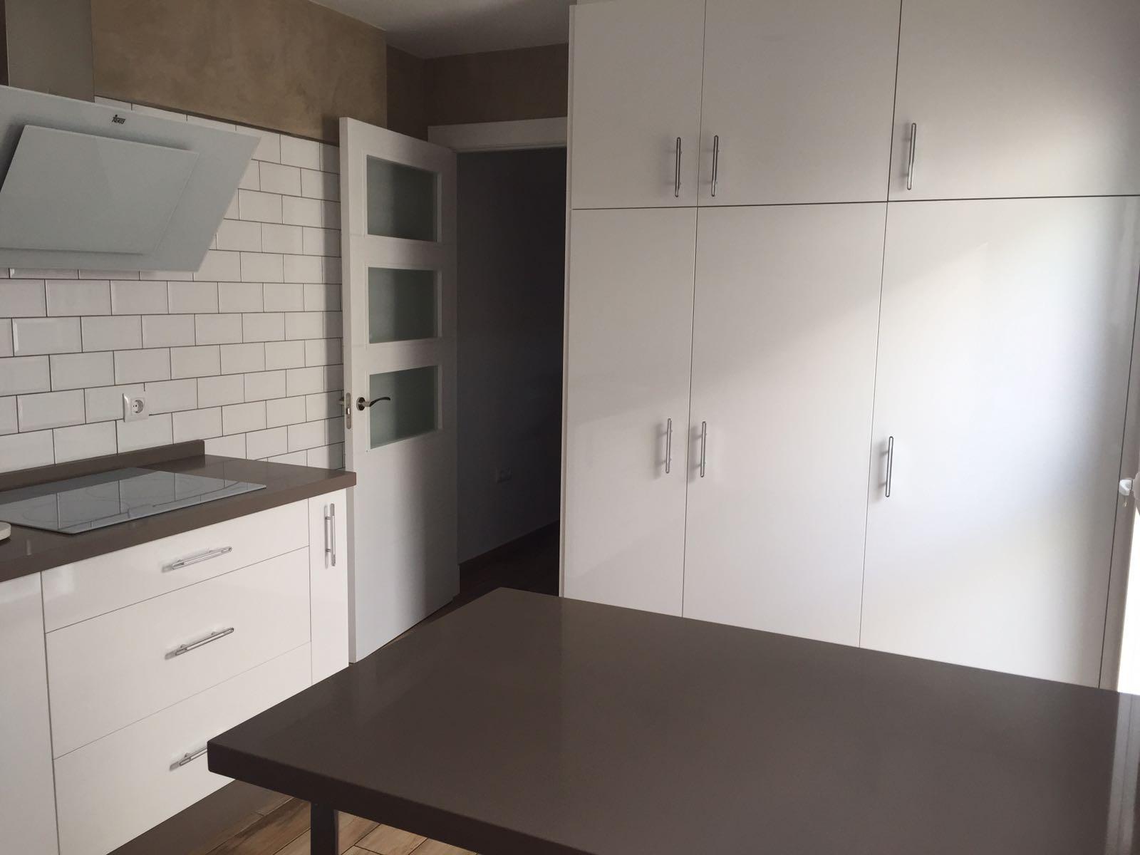 Emejing Comprar Muebles Cocina Contemporary - Casa & Diseño Ideas ...