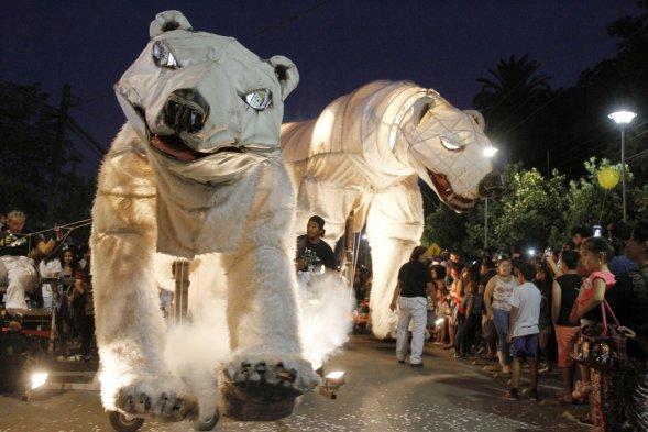 pasacalles-osos-polares-navidad-sevilla