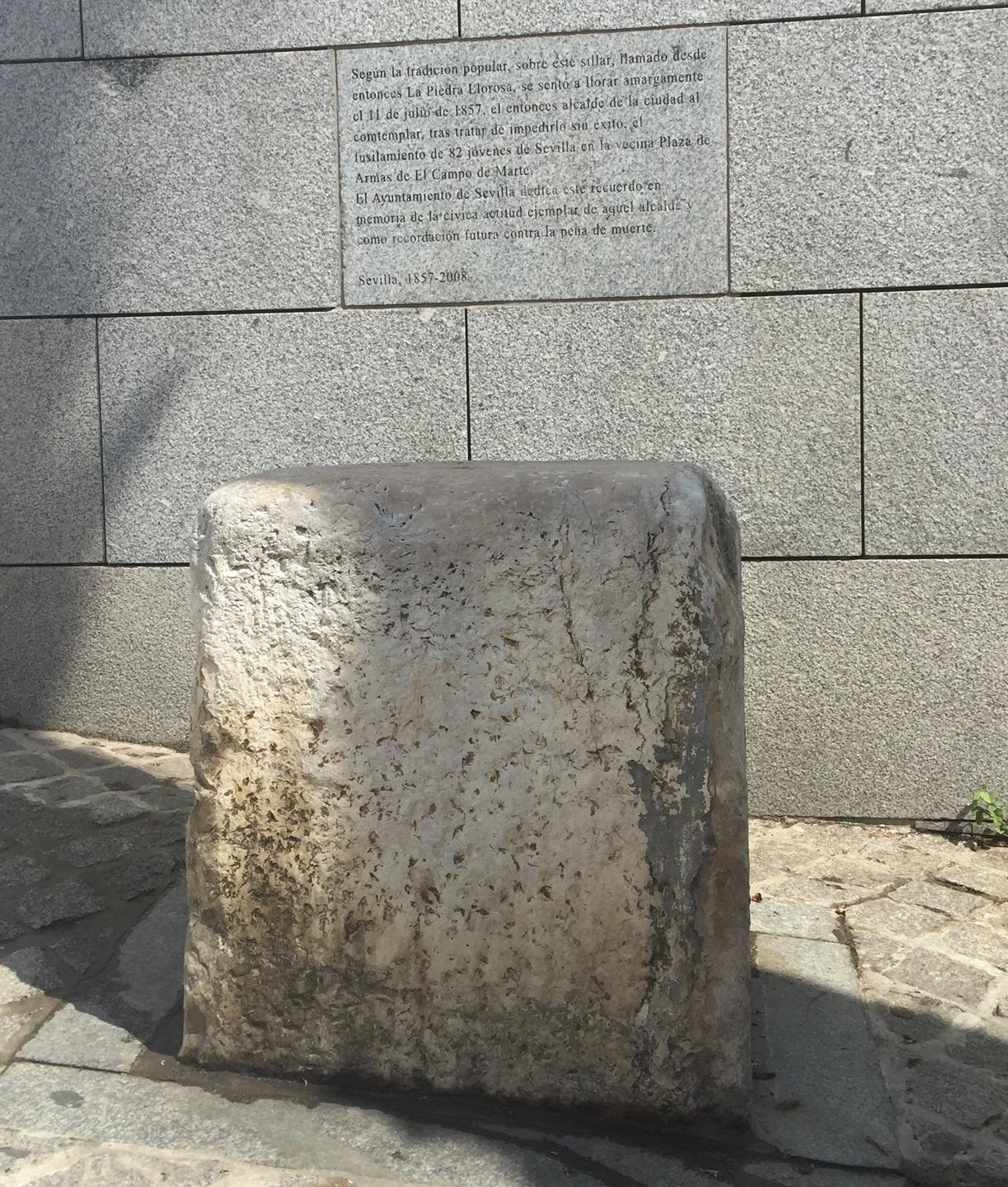 piedra-que-llora-en-sevilla-1