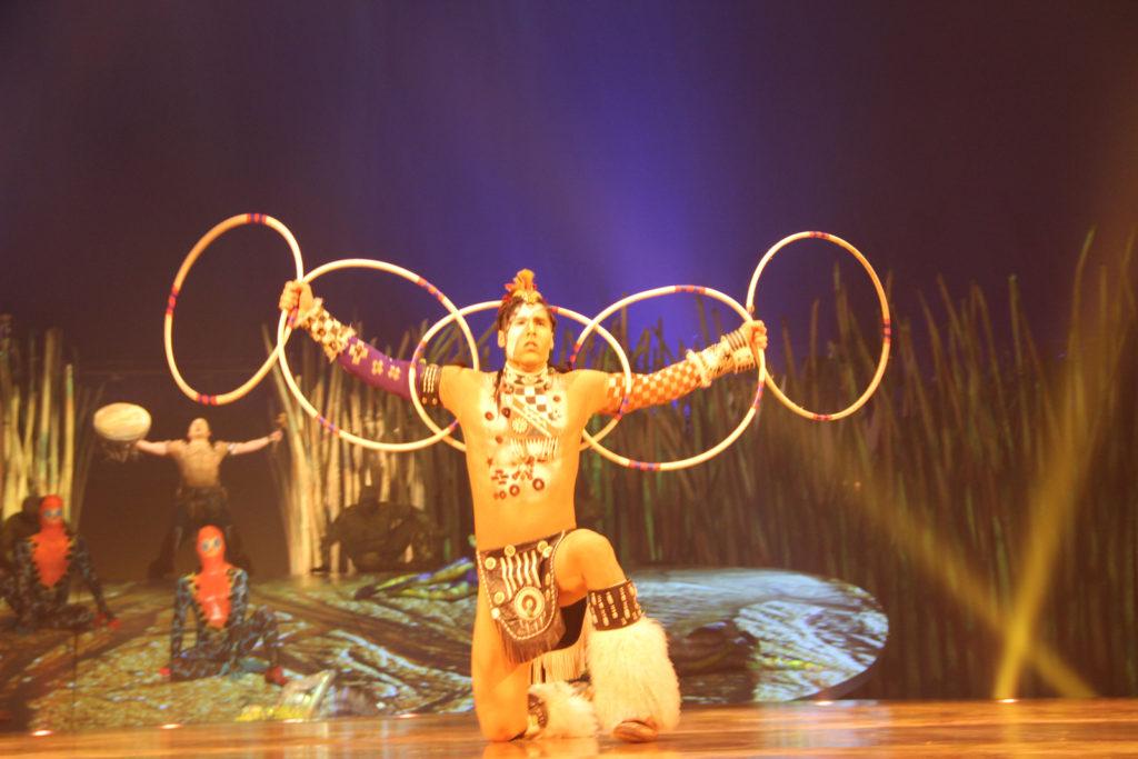 totem-circo-del-sol-cirque-du-soleil-sevilla-andalunet-02