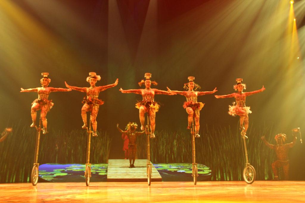 totem-circo-del-sol-cirque-du-soleil-sevilla-andalunet-05
