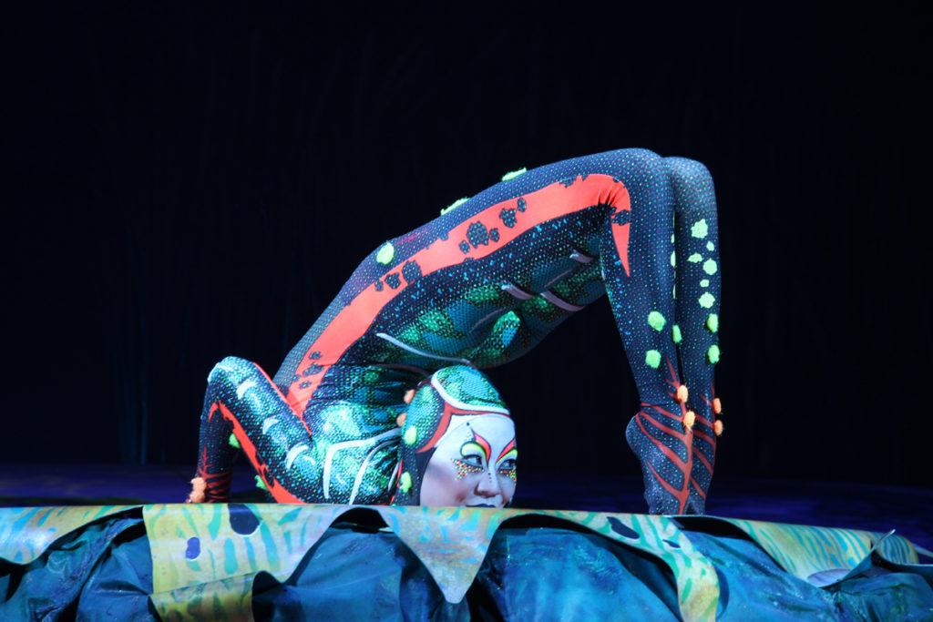 totem-circo-del-sol-cirque-du-soleil-sevilla-andalunet-10