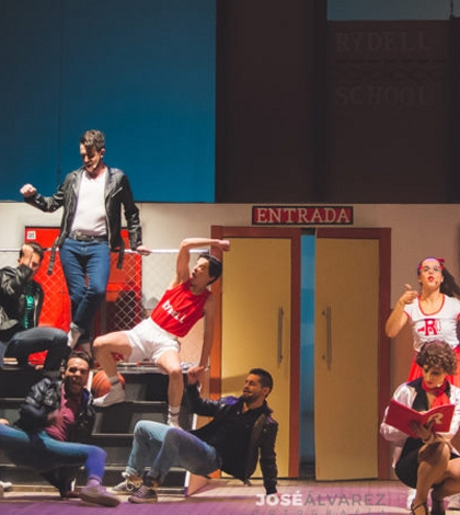 WE SING TOGETHER TRIBUTO A GREASE - Teatro de Triana